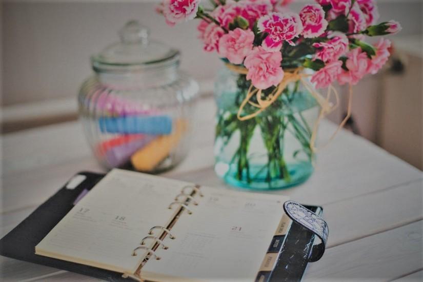 flowers-desk-office-vintage[1] (2)